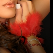 Cuff Burlesque with Red Feathers self adhesive body art from Xotic Eyes